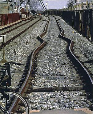 tracks_small.jpg